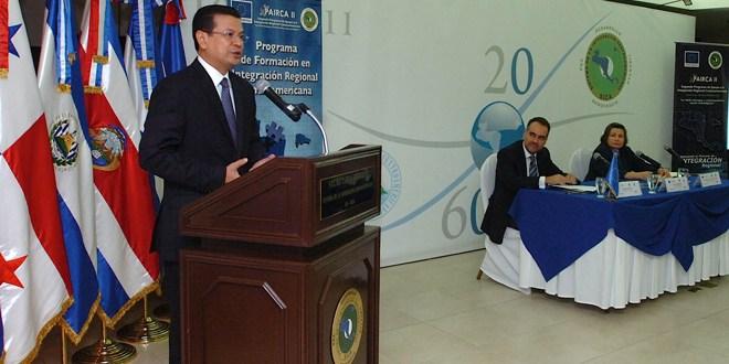 SICA promueve creación de empleos de calidad en la región