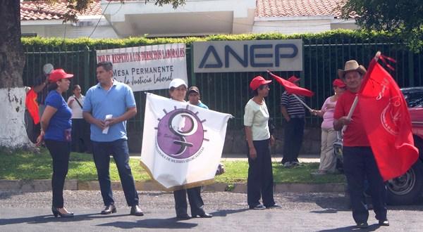 Exigen a la ANEP que detengan inducción al voto en sus empleados