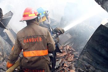 Incendio en mesón Roldán deja daños materiales