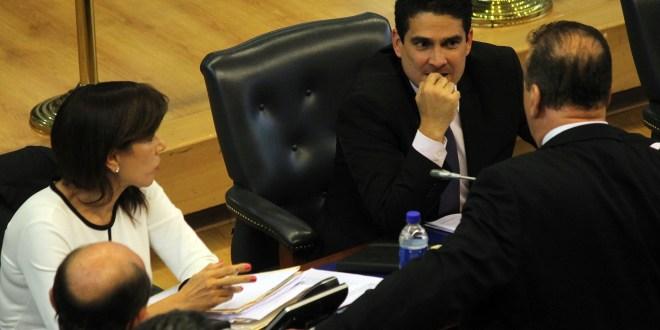 """Ordenan callar a diputada De Escobar luego de acusar a colegas de actuar como """"Poncio Pilato"""""""