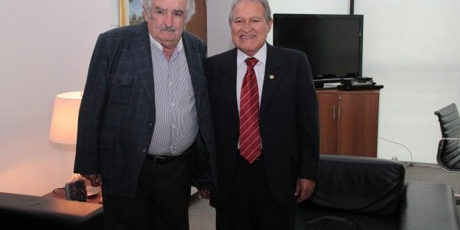 Mandatarios y organismos regionales reconocen victoria de Sánchez Cerén