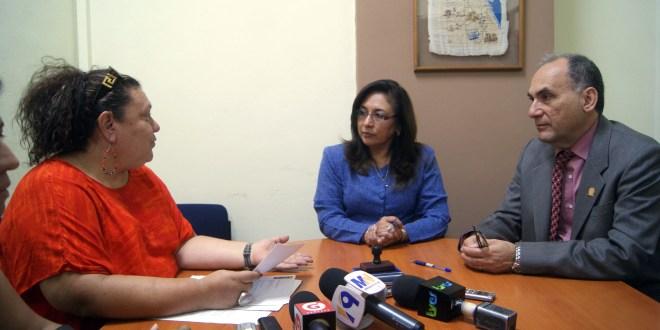 Foro Nacional de Salud Solicita Archivos  de la diputada Ana Vilma de Escobar