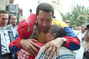 Venezolanos viven y sienten a Chávez, el líder revolucionario inmortal
