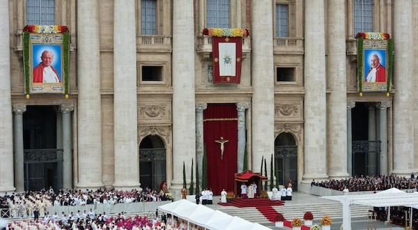 """Iglesia celebra canonización de pontífices entre esperanzas """"Romerianas"""""""