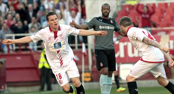Sevilla se reencuentra con triunfo  y sueña con puestos de Champions