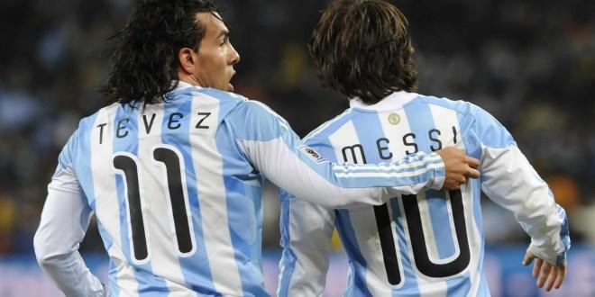 """Tevez niega problemas con Messi: """"Me llevo 10 puntos"""""""