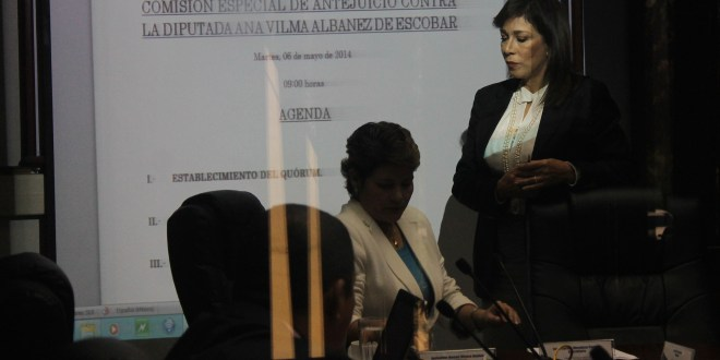 Diputados se preparan a dar dictamen sobre desafuero contra Ana Vilma de Escobar