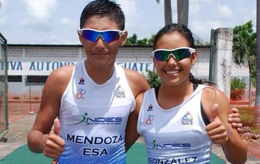 Triatletas Michelle  y Bryan clasificaron a Nanjing