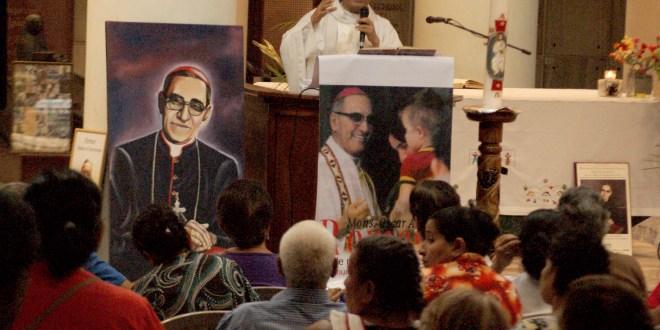 """""""Solo una Iglesia viva es la que sirve al prójimo"""" : Padre Eliseo Larios"""