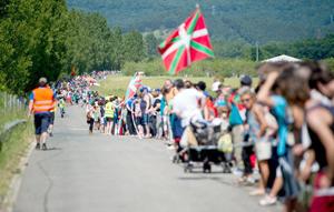 Más de 150.000 personas participan en una cadena humana histórica por el derecho a decidir