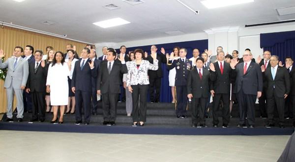 Sánchez Cerén juramenta a nuevo gabinete 2014-2019