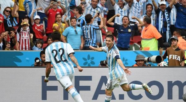 Argentina vence a Nigeria con un Messi inspirado y gana su grupo