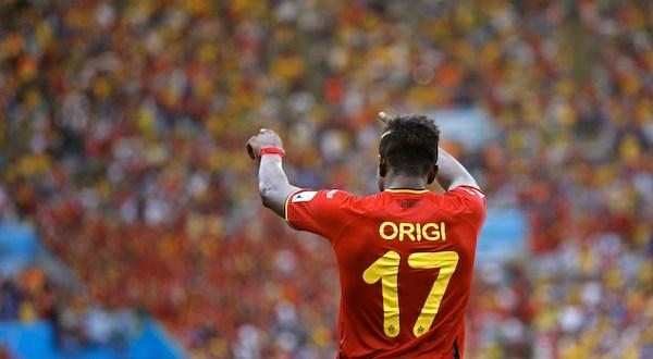 Bélgica vence al final a Rusia por 1-0 y avanza a octavos