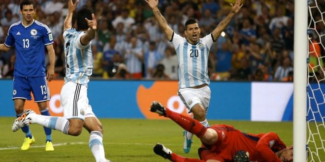 Argentina gana 2-1 a Bosnia pero deja dudas en su debut en Brasil