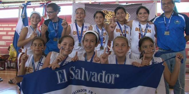 Oro en baloncesto en Juegos Estudiantiles