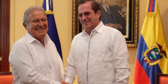 Mandatario se reúne con canciller de Ecuador