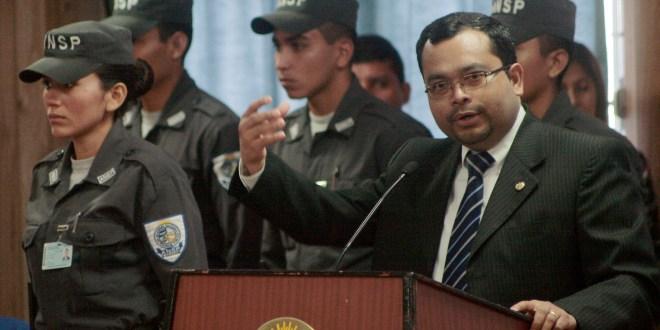 """Pueden tener una formación integral y amplia, para formar policías, pero… hablamos de seres humanos"""": Jaime Martínez"""