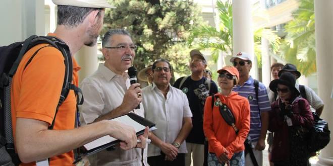 El Salvador recibe turistas japoneses