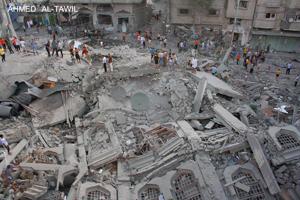 Israel y Hamas observan nueva tregua en Gaza y negocian en Egipto
