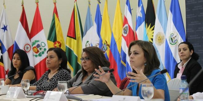 """Secretaría de Inclusión Social presenta """"Ciudad Mujer"""" ante la CELAC"""
