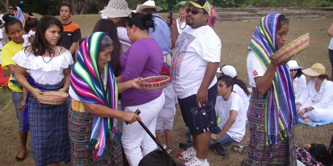 De gramática náhuat-pipil, lengua salvadoreña bajo tachón