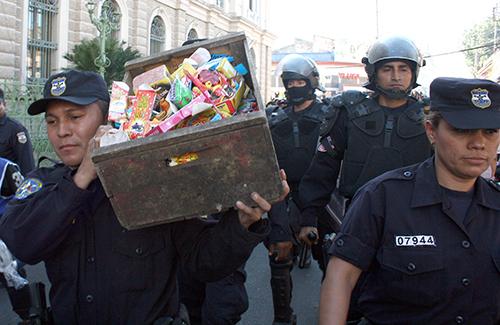 Operativo policial decomisa pólvora