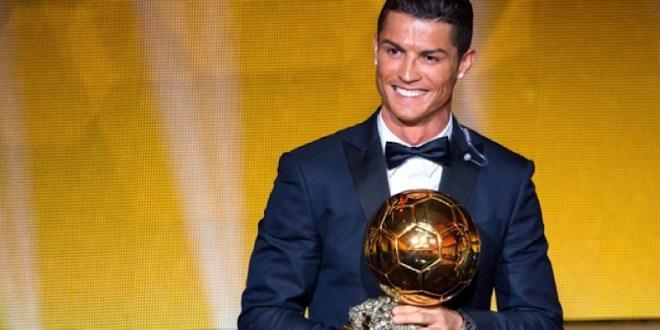 Cristiano gana su tercer Balón de Oro y recorta distancia con Messi