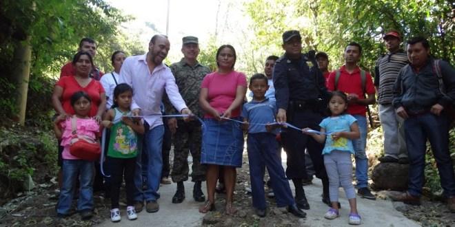 Mejoran accesos de los cantones del municipio