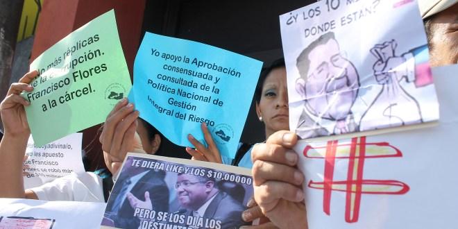 """Organizaciones esperan """"justicia""""  en caso de corrupción de ex presidente Flores"""