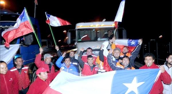 Camioneros chilenos protestan por aumento de violencia contra el sector