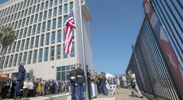 Estados Unidos estudia la posibilidad de cerrar su embajada en Cuba, dice Tillerson