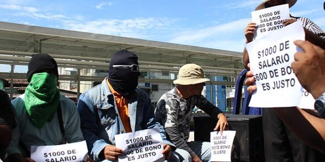 Movimiento de presuntos policías y SITRAPEN exigen mejoras salariales
