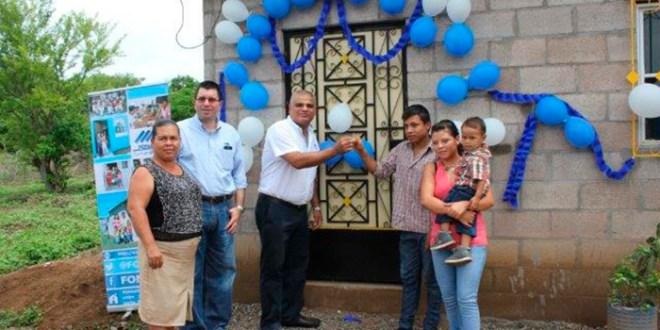 FONAVIPO entrega viviendas a familias del cantón La Noria, Jiquilisco