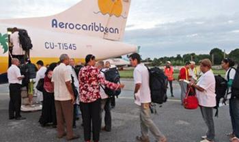Contingente Henry Reeve cura heridas en Dominica