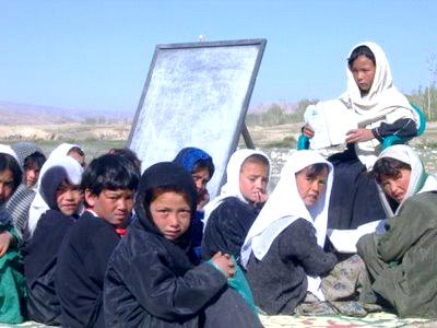 Las guerras privan de escuela a 13 millones de niños en Oriente Medio