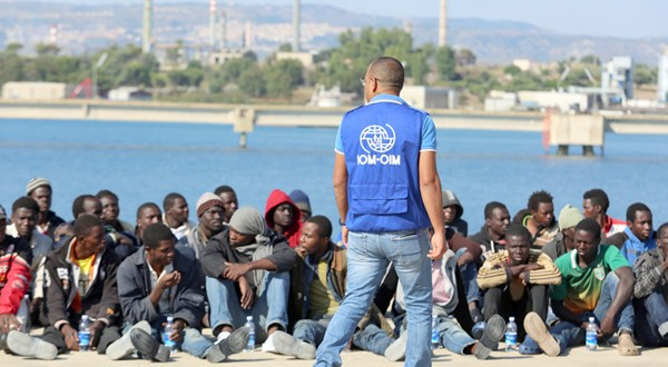 Europa se moviliza para atender a migrantes