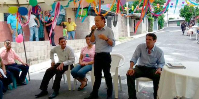 Residentes de San Bartolo cuentan con calle pavimentada