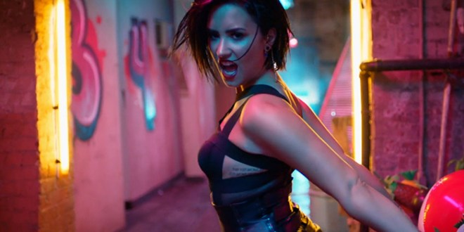 """Demi Lovato es """"Confident"""""""