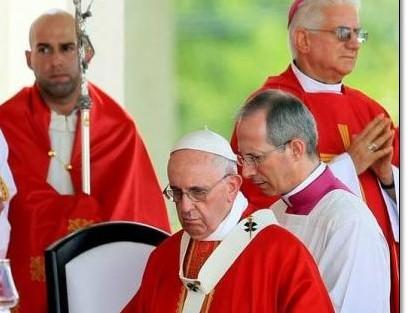 Papa Francisco ratifica llamamiento a la paz durante misa en Holguín