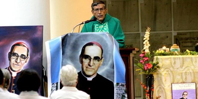 """""""Monseñor Romero exigía un mundo más justo por lo que debemos tomar su ejemplo"""": Padre Sebastián Martínez"""