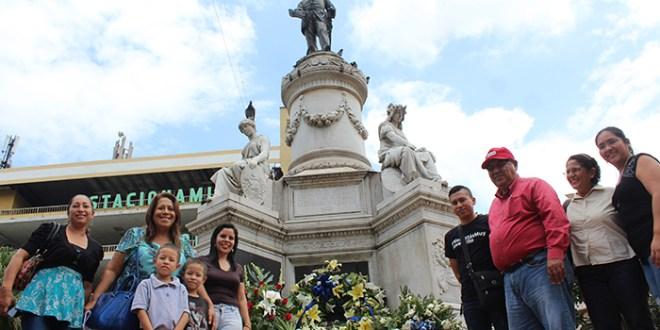 El FMLN conmemora natalicio  de Francisco aMorazán