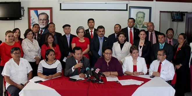 Diputados piden a González y Guevara inscribirse para dirigir al FMLN