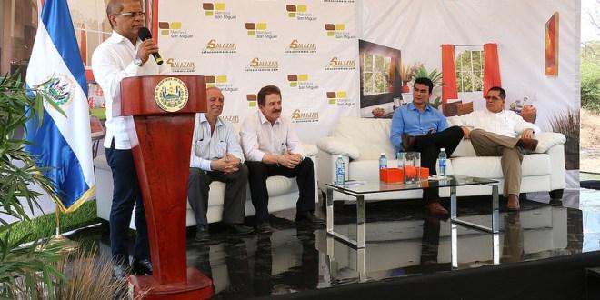 Gobierno acompaña millonaria inversión de proyecto habitacional en San Miguel