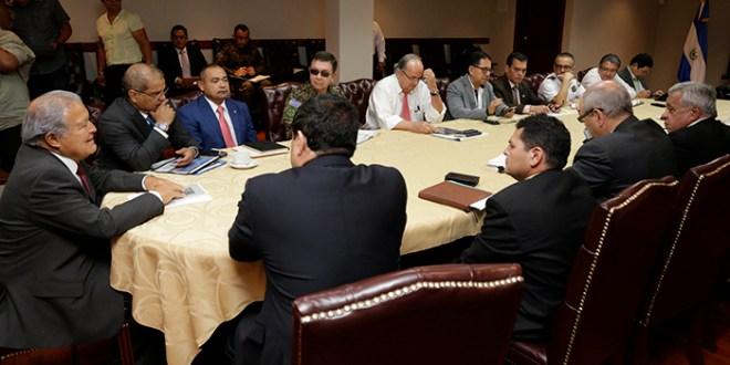 Mandatario y diputados unen esfuerzos a favor de la seguridad salvadoreña