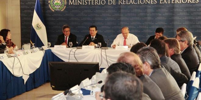 Gobierno presenta medidas extraordinarias  a cuerpo diplomático y organismos internacionales