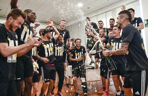 Juventus gana la Liga italiana gracias a la derrota del Napoli