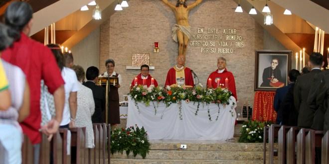"""""""Monseñor Romero cumplió al resucitar en su pueblo"""": Bernardita Castro"""