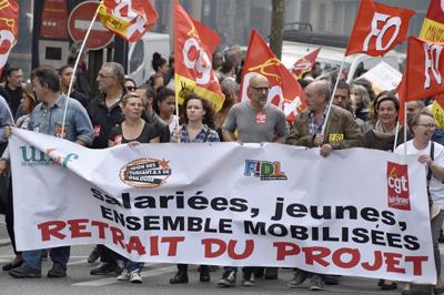 Huelgas contra proyecto laboral se extienden en Francia