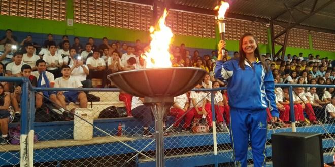 Santanecos inauguran Juegos Deportivos Estudiantiles
