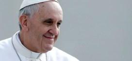 El papa, con los olvidados de la periferia de Milán